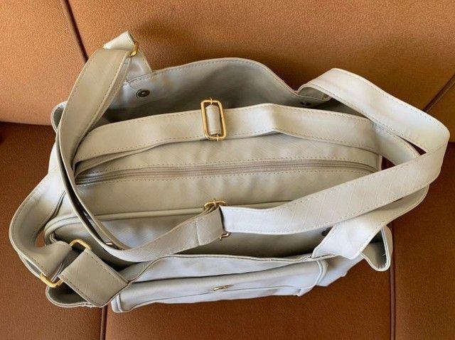 Bolsa Maternidade/Passeio de Couro Off White - Foto 2