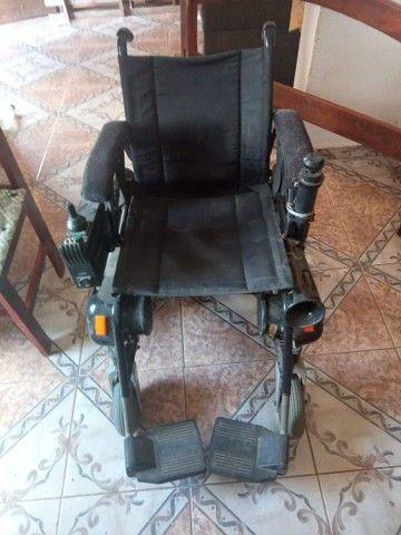 Vende - se uma cadeira de rodas motorizada  - Foto 6