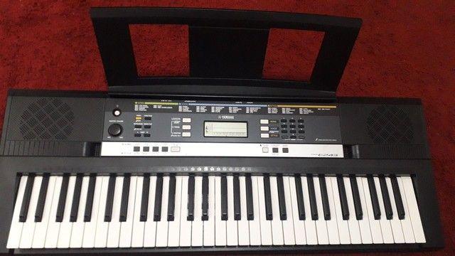 Teclado Yamaha e243 (  fonte, tripé, caixa original, capa, manual) - Foto 2