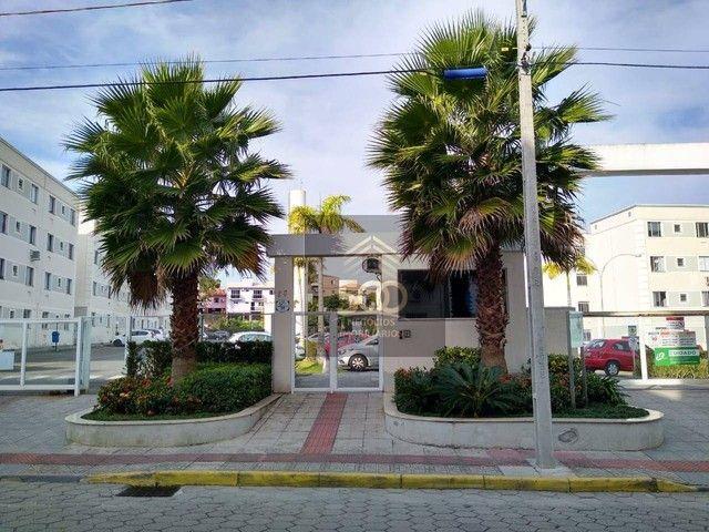 Apartamento com 2 dormitórios à venda, 48 m² por R$ 157.000,00 - Roçado - São José/SC