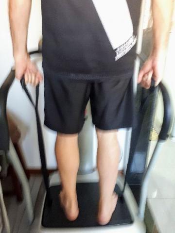 Plataforma Vibratória Kikos P201 - Kikos Fitness ótimo estado