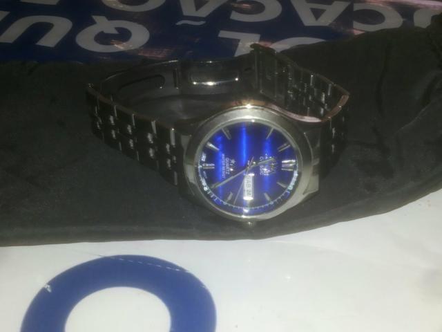 Relógio orente, marca Data