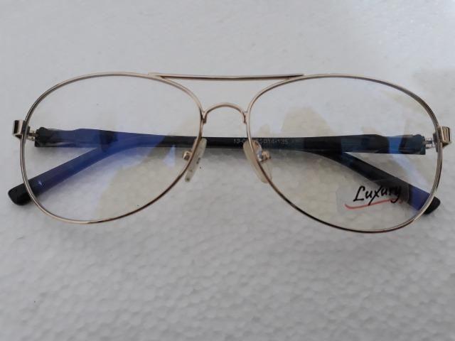 4138983568e5c Armação para Óculos em metal dourado com hastes em acetato ...