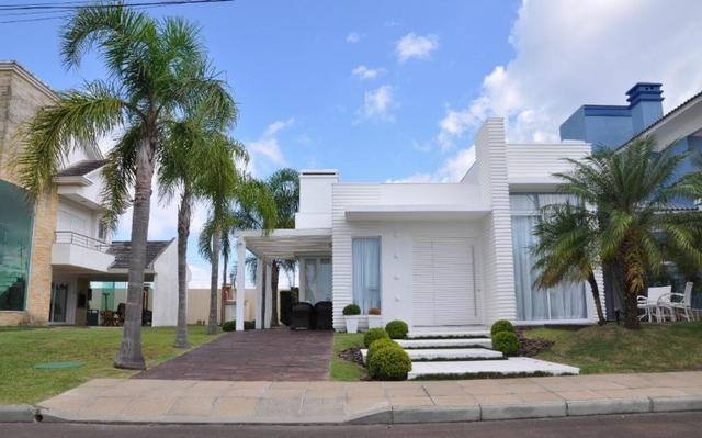 Casa em Condomínio, 3 suítes, mobiliada e decorada, Capão da Canoa/RS