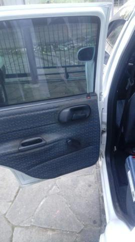 Corsa Hatch 4 portas