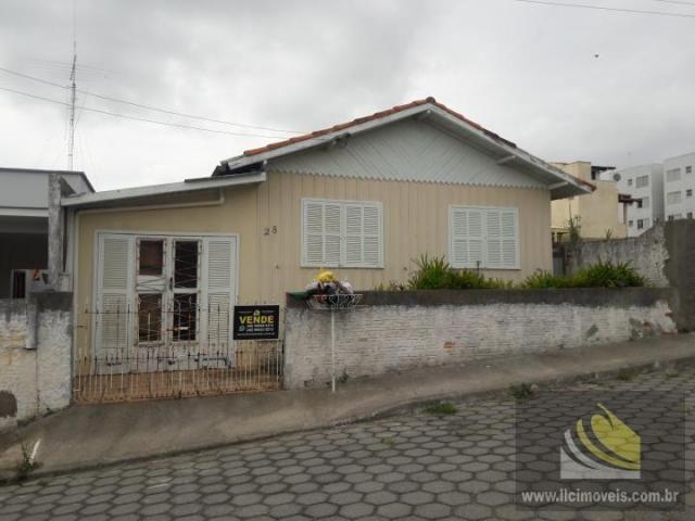 Casa para Venda em Imbituba, Vila Nova, 3 dormitórios, 1 banheiro, 1 vaga