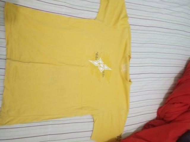 Bermudas e camisa - Foto 2