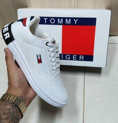 Vendo tênis nike run e sapatênis Tommy hilfiger ( 120 com entrega ) - Foto 3