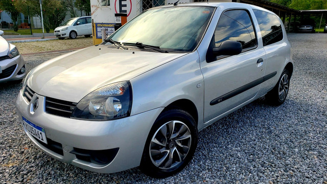 Clio 1.0 Renault impecável