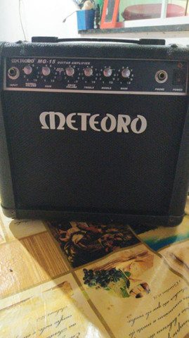 Guitarra Condor e caixa amplificador de som - Foto 5