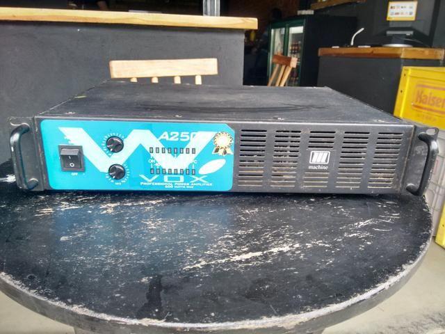 Vendo ou troco amplificador Machine 600 rms