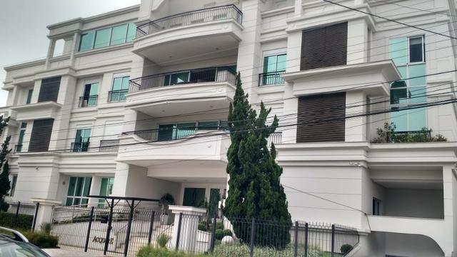 Belíssimo apartamento em Jurerê