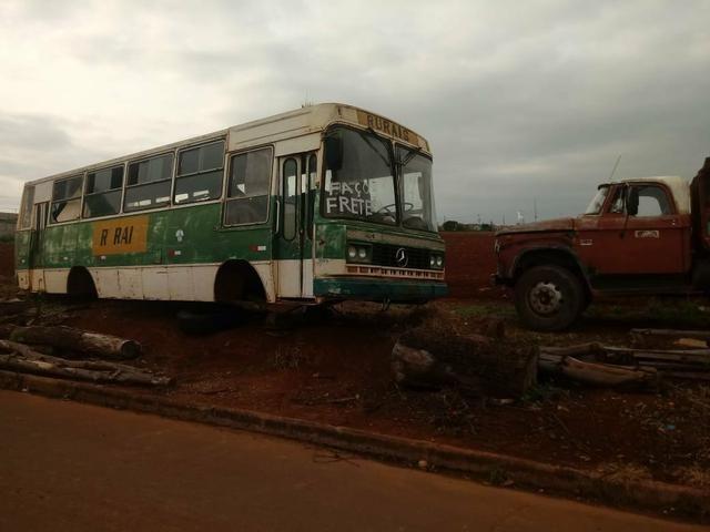 Carcaça de ônibus
