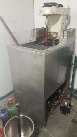 Maquina de sorvete e picolé