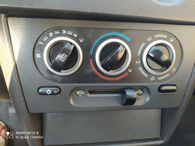 Celta 2011 com ar condicionado - Foto 4