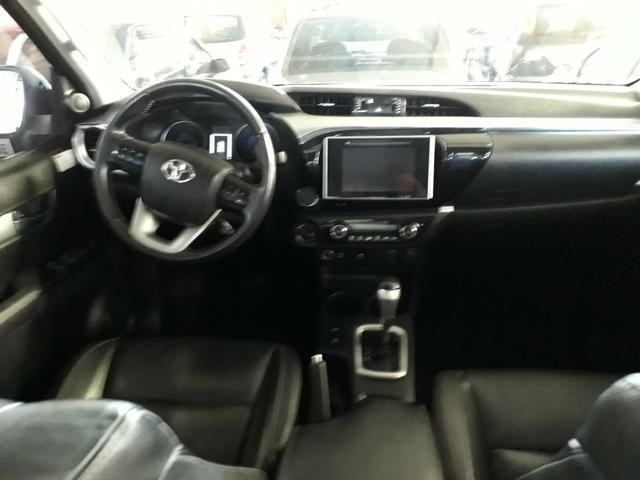 Toyota hilux srv 4x4 turbo - Foto 4