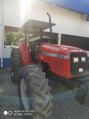 Trator agrícola Massey Ferguson 5310