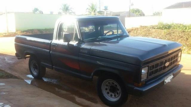 F-1000 2.0 4x2 Diesel 1985