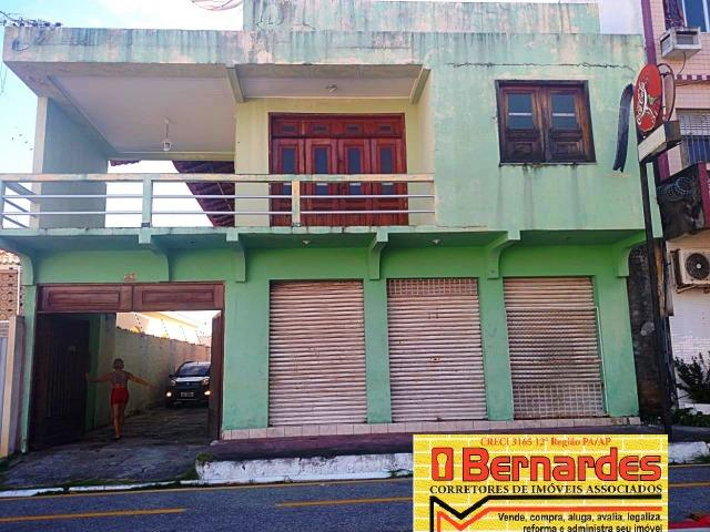 Casa e Ponto Comercial em Salinas,de Frente para o Farol