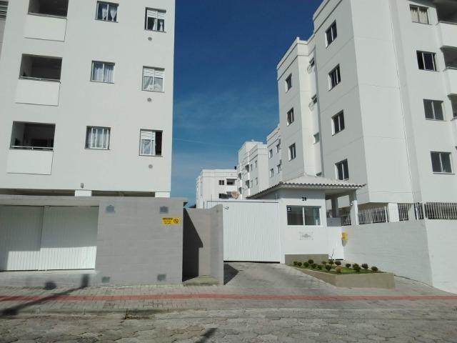 A661 - Vende apartamento de 2 quartos em São José