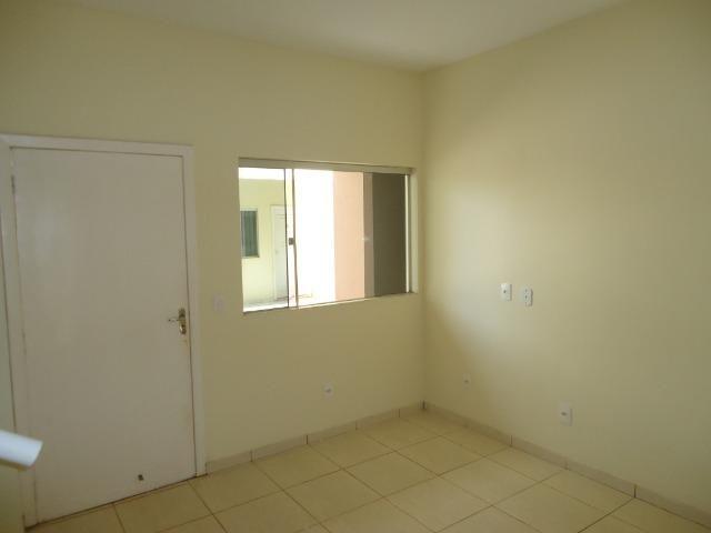 Alugamos sobrado com 3 quartos próximo a Faculdade Fimca - Foto 4