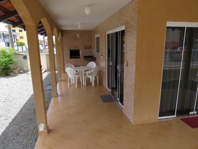 Excelente casa no Balneário Enseada com 3 quartos com ar condicionado - Foto 3