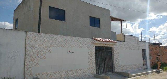 Duas casas por apenas 130 mil reais