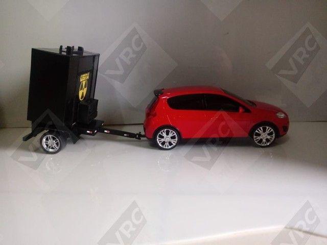 Miniatura Fiat Pálio com mini paredão na carrocinha - Foto 2