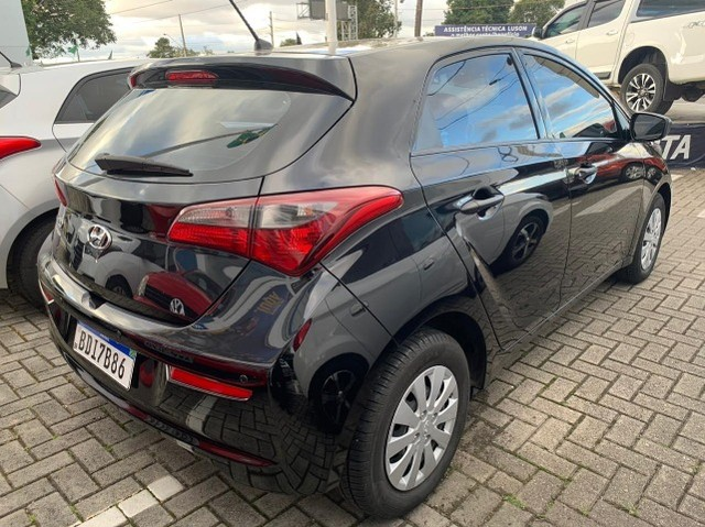 Hyundai HB20 Hatch Unique 1.0 manual 2019 - Foto 4