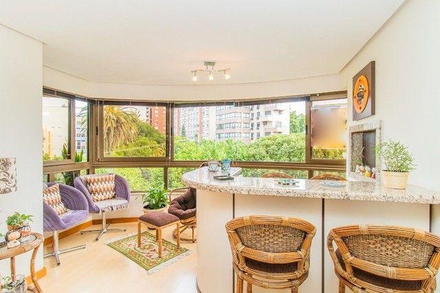 Apartamento à venda com 3 dormitórios em Moinhos de vento, Porto alegre cod:AR81