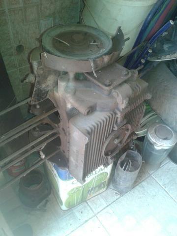 Vendo Motor de fusca e Cômbe 1600 cilindradas