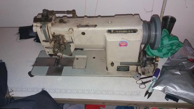 Três máquinas de costura !!!!