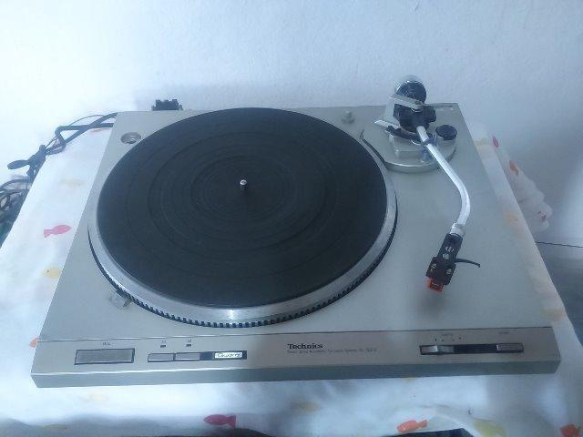 Toca discos technics sl-q212