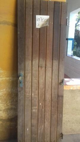Porta ou portao de madeira