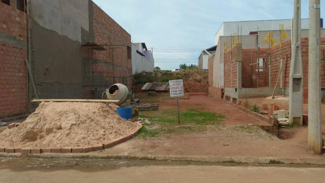 Terreno em Cosmópolis-SP, já com alicerce do muro (TE0027)