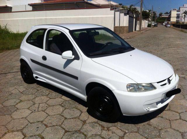 Gm - Chevrolet Celta 04