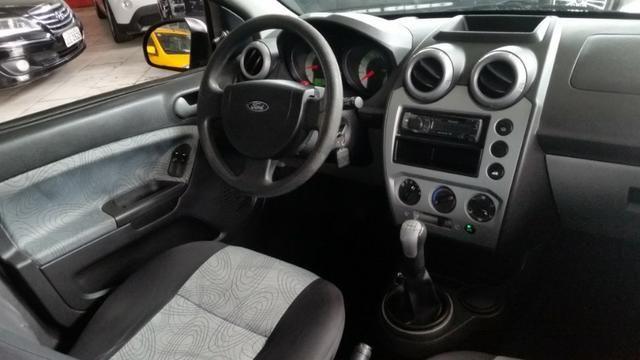 Ford Fiesta Sedan 1.0 Flex Completo - Foto 10