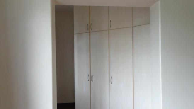 Excelente apartamento de frente, muito ensolarado, 3 quartos - Foto 8
