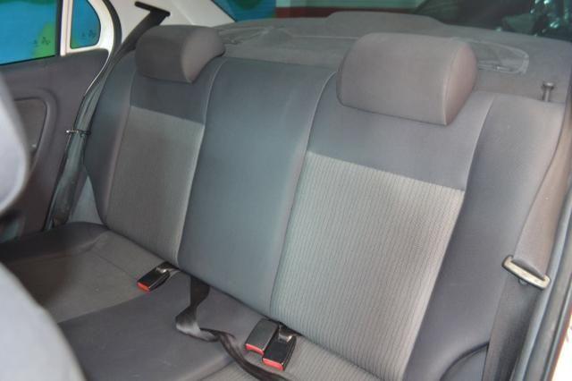 Volkswagen Voyage City 1.6 Flex com GNV, Completo. Aprovamos seu crédito mesmo sem renda - Foto 6
