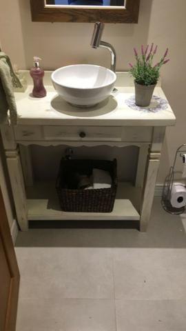 Bancada para cuba de lavabo de hotel, loja ou restaurante