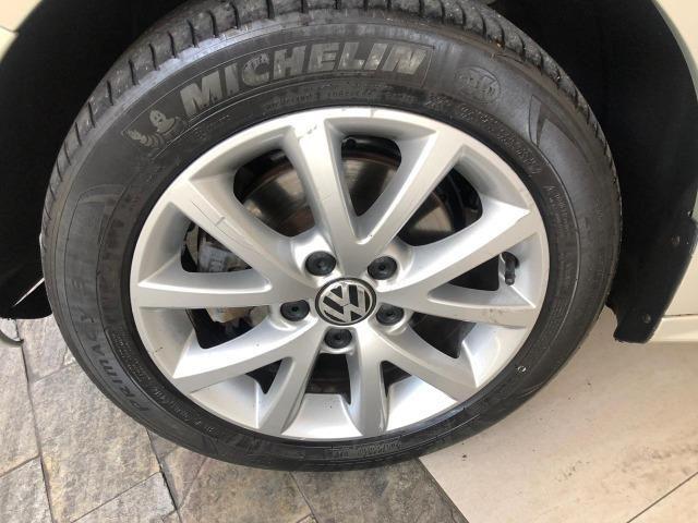 VW Jetta 2.0 - Foto 13