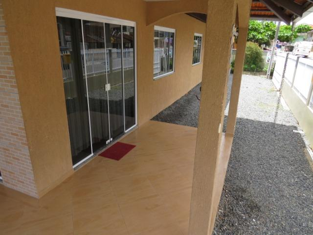 Excelente casa no Balneário Enseada com 3 quartos com ar condicionado - Foto 2