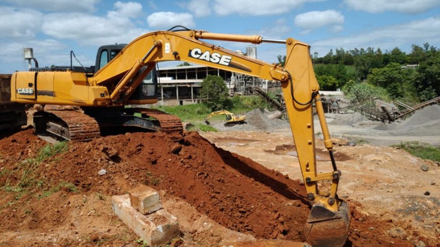 Escavadeira - Foto 2