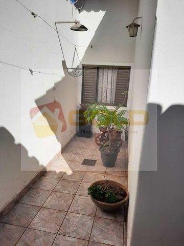 Casa para Venda em Uberlândia, Cidade Jardim, 3 dormitórios, 1 suíte, 3 banheiros, 3 vagas - Foto 4
