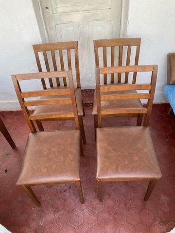Mesa expansível de madeira com 4 cadeiras - Foto 3