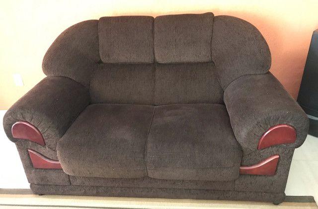 Vendo sofá 2 e 3 lugares usado chenile  - Foto 2