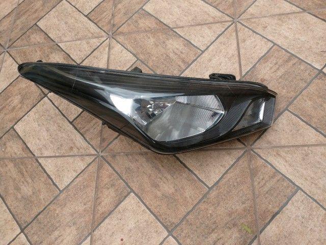Farol e grade cibié HB20, R$350 o farol e R$ 170 grade ou R$ 500 tudo - Foto 2