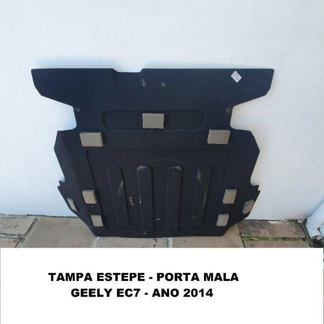 Tampa estepe Geely EC7 ano 2014