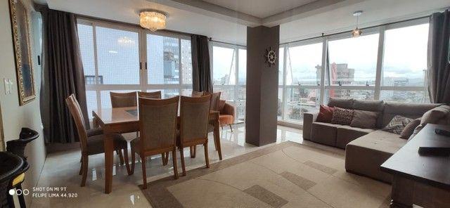 Apartamento 2 dormitórios perto do mar e centro - Foto 19