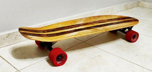 Skate longboard mais capacete e proteções ( Com simulador de surf) - Foto 2